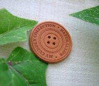 【卸・受注生産】[Φ30mm]革・ボタン型タグ(ナチュラル)50枚