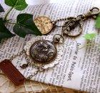 他の写真2: 木製のチャーム(時計)